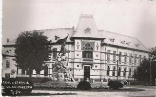 8. Targu Jiu - Liceul Tudor Vladimirescu